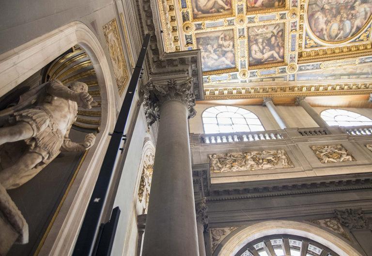 Line-Array-Speaker_System-Florence-Hall