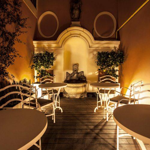 Dom-gallery-courtyard_2-1024x750